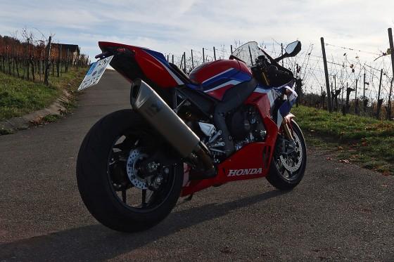 Honda_CBR1000RR-R_Fireblade_SP_Herbstimppressionen_-_05