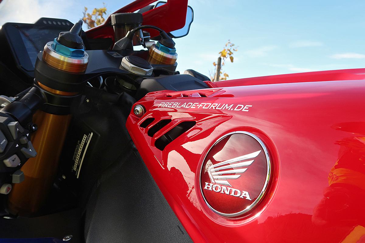 Honda_CBR1000RR-R_Fireblade_SP_Herbstimppressionen_-_10