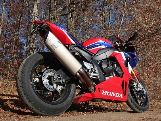 Honda_CBR1000RR-R_Fireblade_SP_Herbstimppressionen_-_22