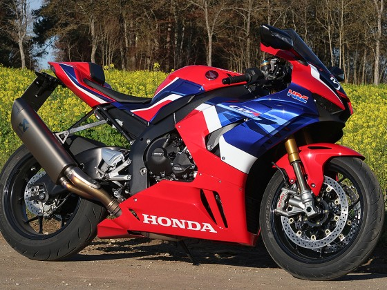 Honda_CBR1000RR-R_Fireblade_SP_Herbstimppressionen_-_27