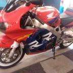 Honda CBR 900 RR (3)