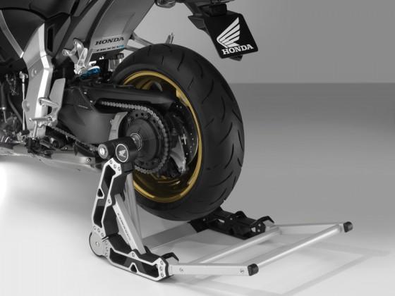 Honda_CB1000R_SC60_2012_-_08