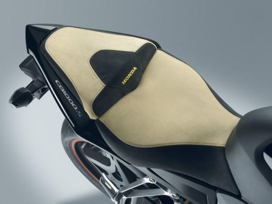 Honda_CB1000R_SC60_2011_-_08