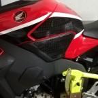 Stomp Grips SC77 schwarz an einer roten