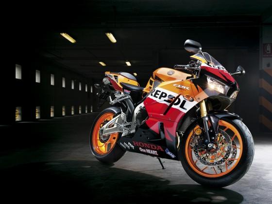 Honda_CBR600RR_C-ABS_2013_-_07