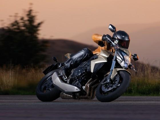 Honda_CB1000R_SC60_2010_-_01