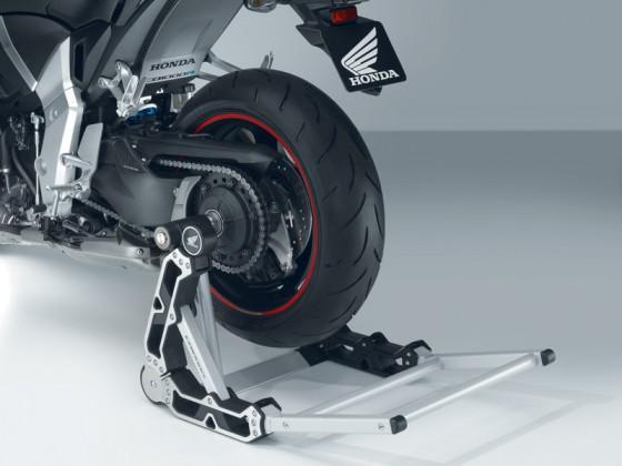 Honda_CB1000R_SC60_2011_-_11